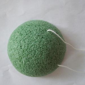 Wholesale 100% natural makeup konjac charcoal sponge cosmetic sponge puff