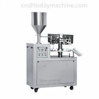 Vacuum pumping two heads liquid filling machine