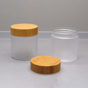 eco friendly plastic cosmetic container with bamboo cover for skincare products