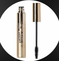 Mascara that can be easily brushed from the root of the eyelash
