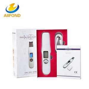 Home Use Mini Ultrasonic Skin Scrubber With LCD For Skin Rejuvenation