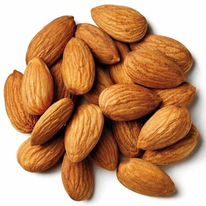 ALMOND CARRIER OIL ( SWEET )