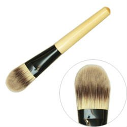 Must Have Foundation Brush with Small Handle
