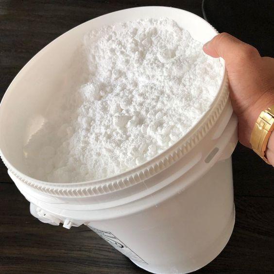 99.9% purity CBD Isolate powder. CBD Isolate Oil. CBD Crystal.