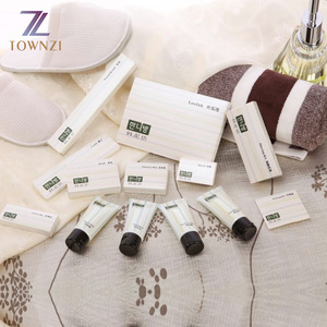 Hotel Supplier Certificated Disposable Amenities Sets Wholesale Luxury Bath Amenities Cheap 5 star Hotel Amenity Set