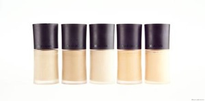 High quality customized colors waterproof liquid foundation for make up