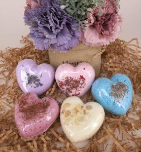 Hot sale 5 colors  Private label  handmade Natural Organic  heart-shape Fragrant Bath bubble bath fizzier oem