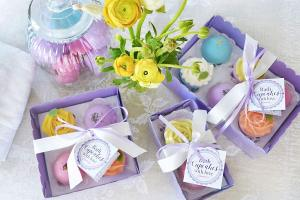 Bath Bomb Set of 3 Cupcakes Fizzy Bath Bombs with Coconut Oil and Shea Butter Makes Spa Relaxation Bath Set