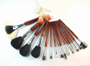 private label oval cosmetics makeup brushes with face brush, eyebrow brush and makeup kit set