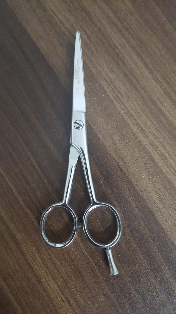 Barber Scissor Sharp Edge length 14cm