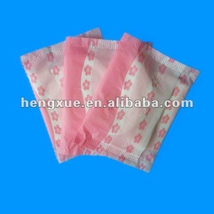 panty liners with wings
