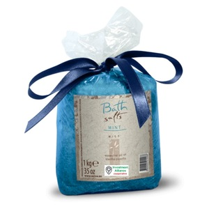Bath aromatherapy salts with essential mint oil