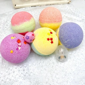 Ball shape fizzy bath bomb with gift toy inside