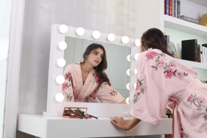 Popular hollywood vanity makeup mirror Intelligent cosmetic mirror touch switch dimming lighting desktop makeup mirror home deco