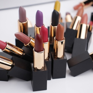 Makeup your own brand high quality vegan lipstick private label matte lipstick